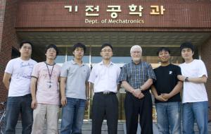 With Prof. Kevin L. Moore 이미지